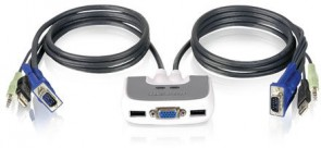IOGEAR 2 Port Compact USB KVM Switch